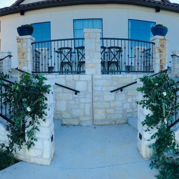 services La Vista double stairways
